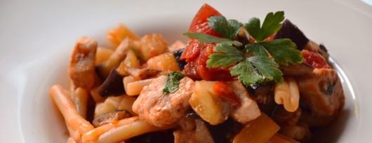 pastaPasta-con-pesce-spada-melanzane-e-pomodorini-convivium