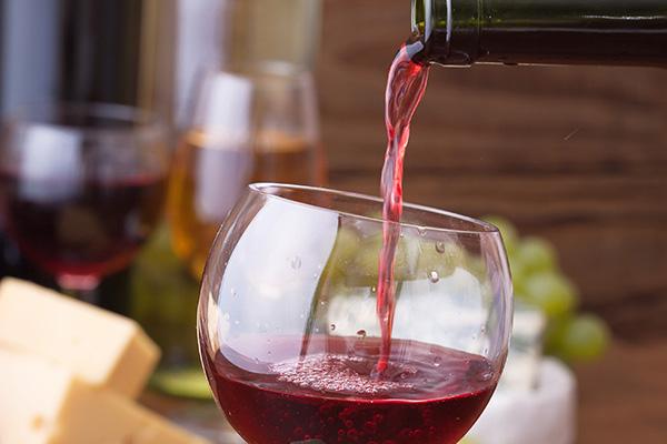sana alimentazione vino