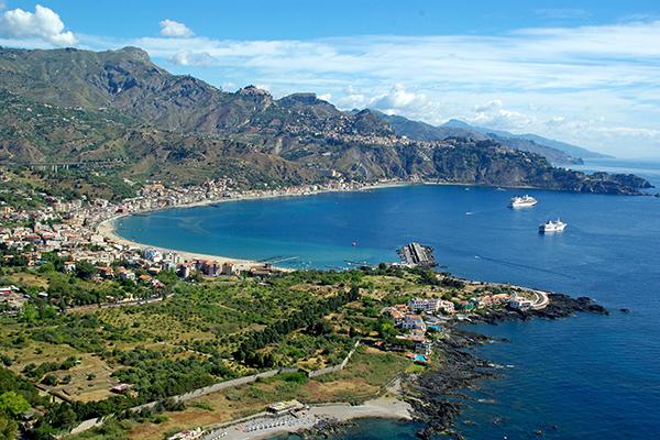 Baia_di_Taormina_-_Sicily