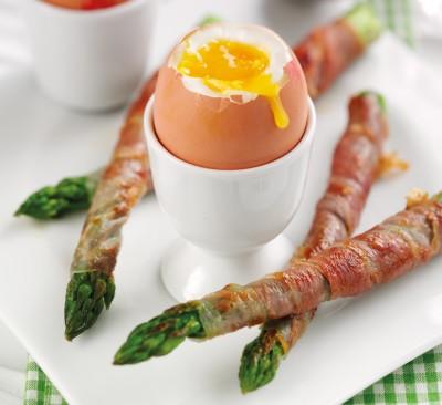 uova-con-asparagi