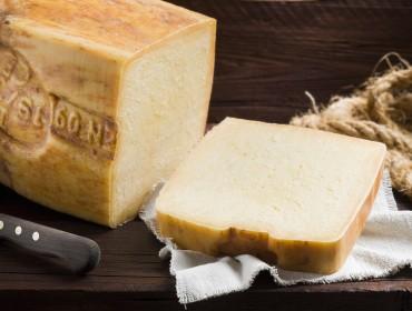 Ragusano-cheese