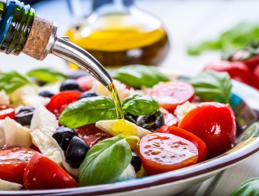 caprese-with-olive-oil