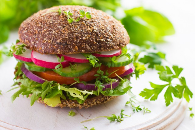 ambrosia - vegetariani-vegani-italia-rispetto-nuovo-stile-vita-640x426