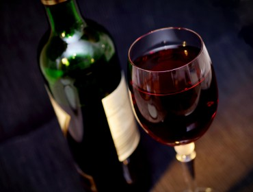 brunello-wine-glass-red-drink-darkness-bottle-921766-pxhere.com