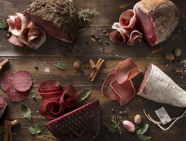 Alcune specialità del salumificio Mottolini- bresaola- credit by Silvia Poli-puracomunicazione.it